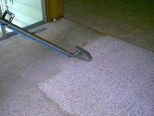 Steam cleaning for your carpets by our cleaners